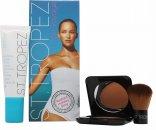 St Tropez Tan Voyage Radiant Holiday Glow Set de Regalo 50ml Loción Bronceadora Facial + 12g Polvo Bronceador + Cepillo Polvo Bronceador