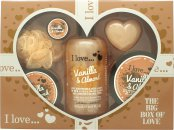 I Love... A Big Box Of Love Vanilla and Almond Set de Regalo 500ml Burbujas Baño + 100ml Sugar Scrub + 100ml Hidratante Corporal + 10ml Bálsamo Labial + 60g Jabón + Esponja